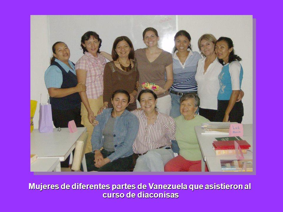 Mujeres de diferentes partes de Vanezuela que asistieron al curso de diaconisas