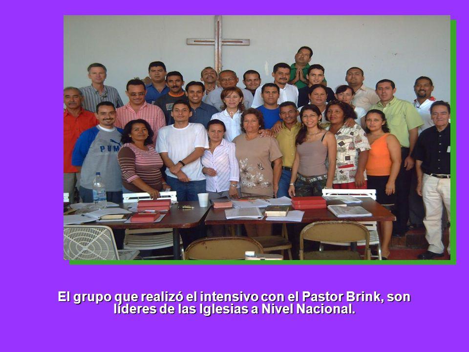 El grupo que realizó el intensivo con el Pastor Brink, son líderes de las Iglesias a Nivel Nacional.