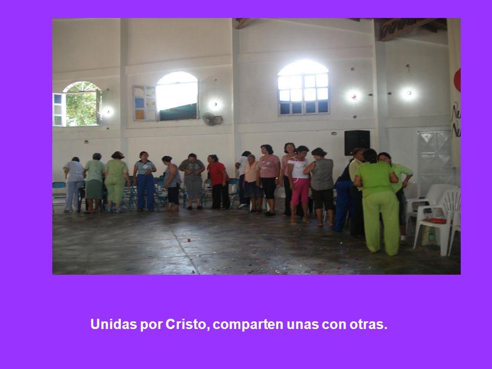 Unidas por Cristo, comparten unas con otras.