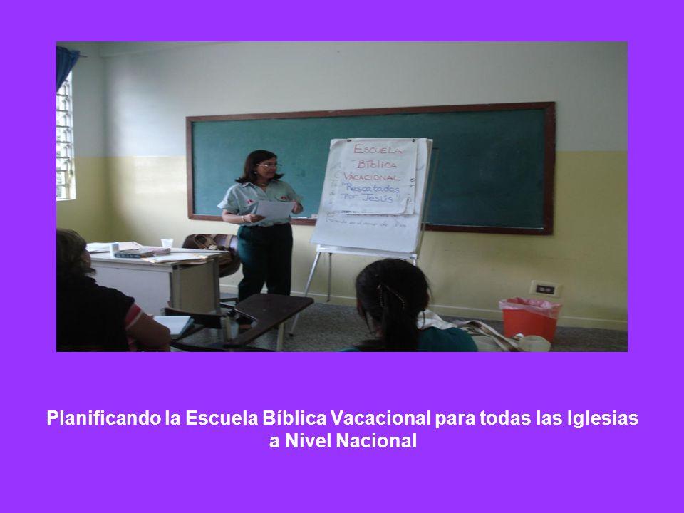Planificando la Escuela Bíblica Vacacional para todas las Iglesias a Nivel Nacional
