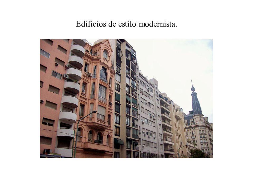 Edificios de estilo modernista.