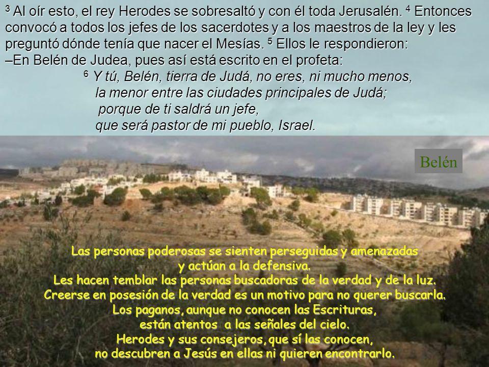 1 Jesús nació en Belén, un pueblo de Judea, en tiempo del rey Herodes.