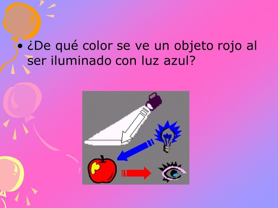 ¿De qué color se ve un objeto rojo al ser iluminado con luz azul?