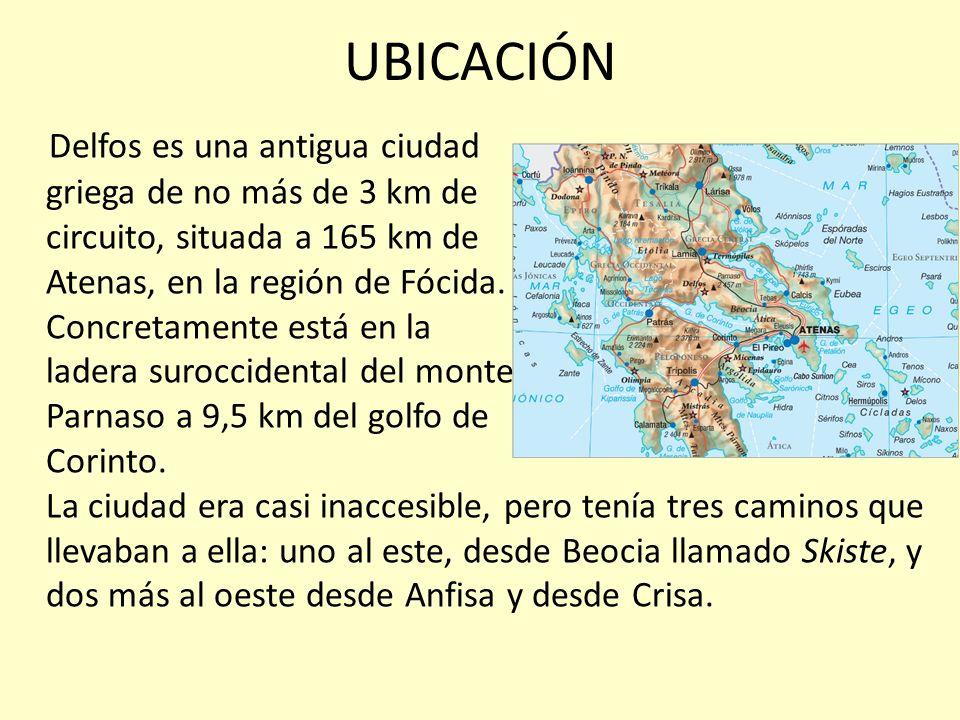 UBICACIÓN Delfos es una antigua ciudad griega de no más de 3 km de circuito, situada a 165 km de Atenas, en la región de Fócida. Concretamente está en