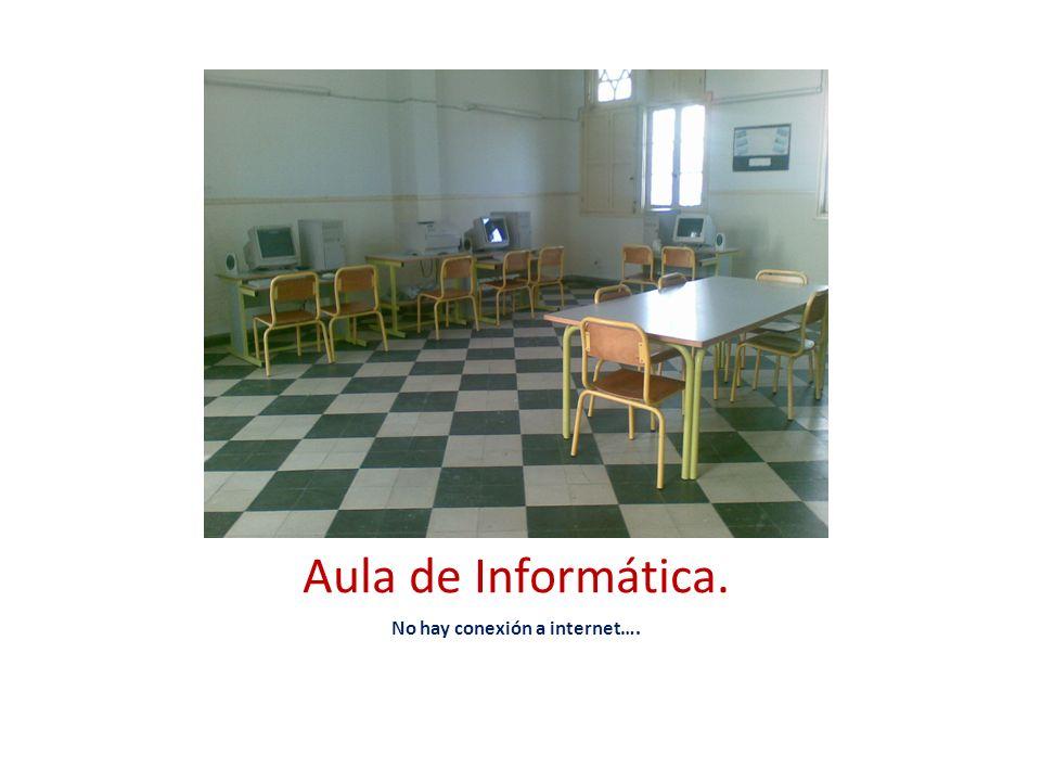 Mobiliario: Mesa de maestra La reposición de mobiliario no se produce con la solvencia necesaria.