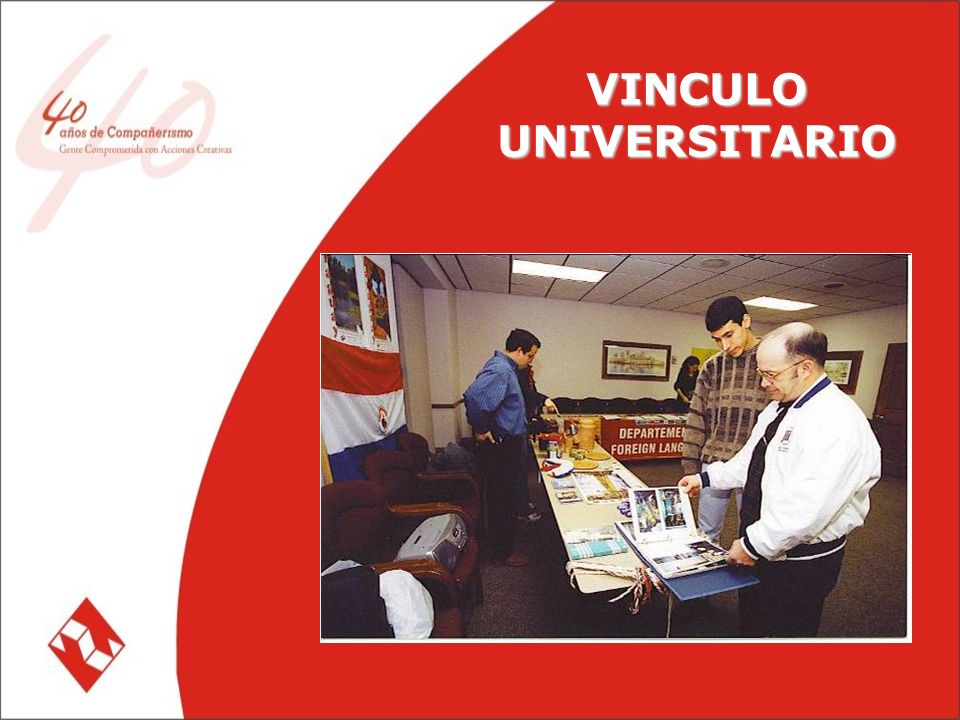 INTERCAMBIO DE MAESTROS Más de 200 profesores paraguayos beneficiados Más de 300 profesores de Kansas han realizado sus pasantias en Colegios e Institutos del país mediante el programa
