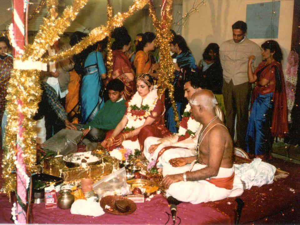 82% de la población de India practica Hinduismomás de 800 millones de personas.