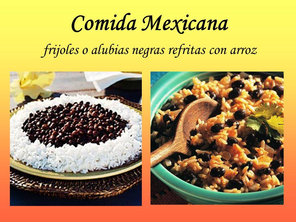 Comida Mexicana frijoles o alubias negras refritas con arroz