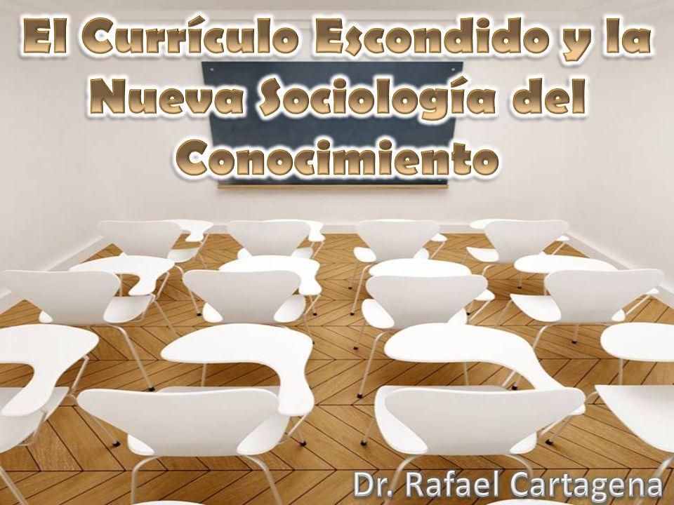 1)Los sistemas educativos modernos se organizan en una sociedad que se forma partiendo del aprendizaje de una amplia cultura estandardizada.