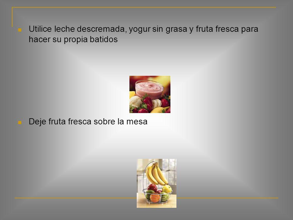 Ofrecer algo nuevo, como piña fresca, pimiento rojo o amarillo, una rebanada de pan de trigo entero Ofrézcale zanahorias u otras verduras crudas, Grah