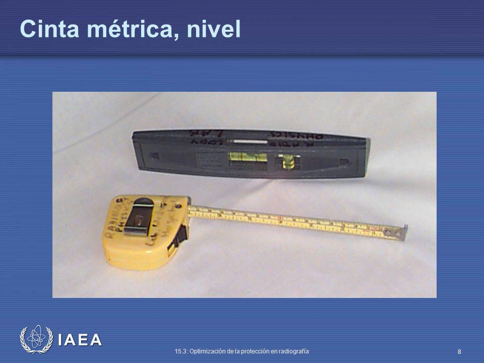 IAEA 15.3: Optimización de la protección en radiografía 9 Capa hemirreductora (HVL) (II) Método (el más simple – usando un multímetro) : Colocar el detector a ~ 75 cm del foco, sobre plomo o vinilo plomado (para estandarizar la retrodispersión) Seleccionar 80 kVp y mAs fijos (ej., 50 mAs) Colimar el haz de rayos X al tamaño del detector Medir exposición tres veces
