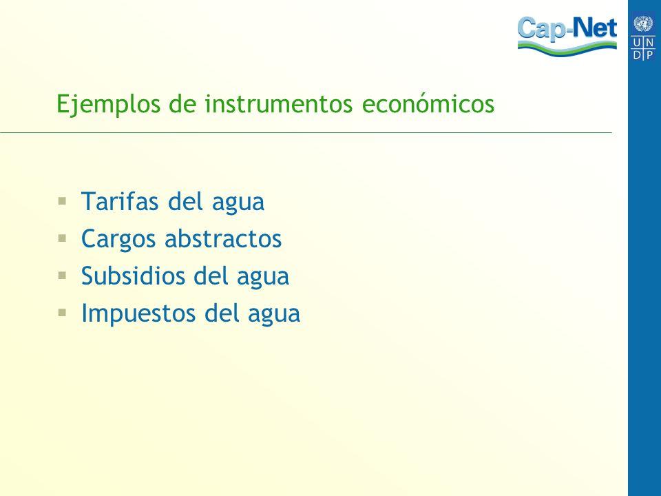 Los instrumentos económicos son evaluados utilizando el criterio de: Eficiencia Equidad Sostenibilidad medioambiental Viabilidad administrativa Aceptación política
