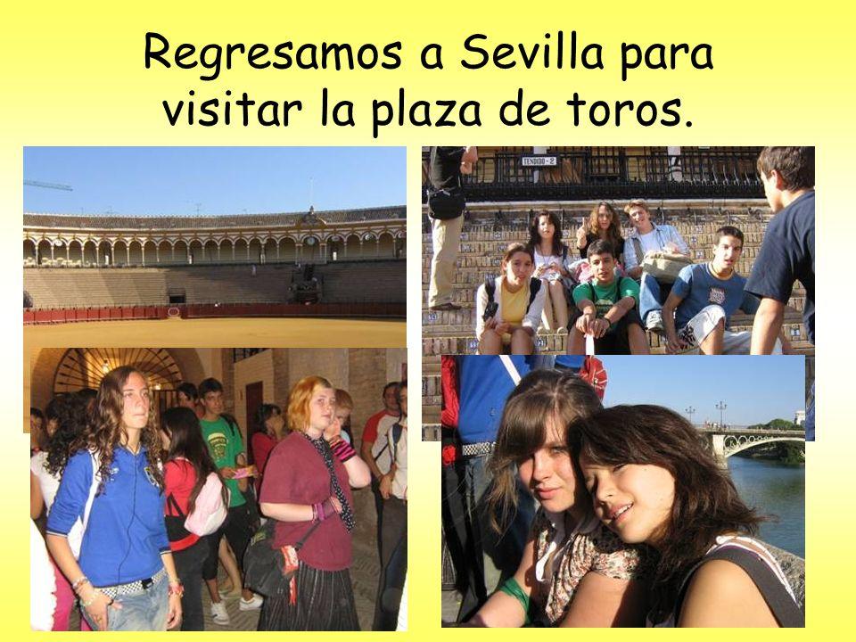 Regresamos a Sevilla para visitar la plaza de toros.