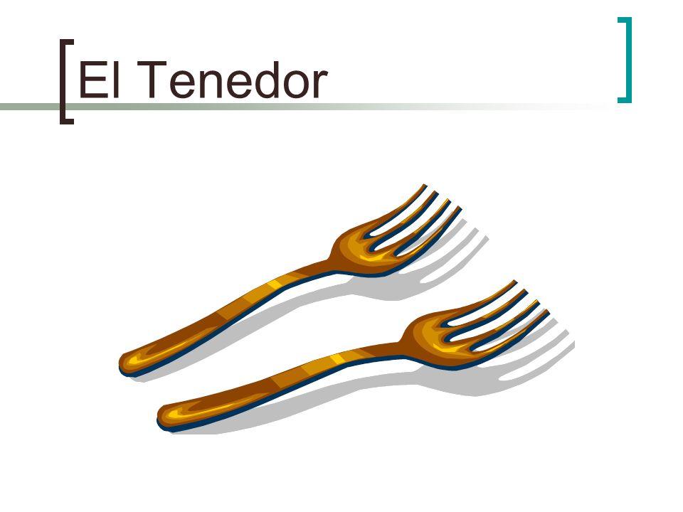 Un plato de huevos, tocino y pan Un tenedor y una servilleta a la izquierda del plato Una cuchara, un cuchillo, un vaso de jugo y un taza de café a la derecha del plato