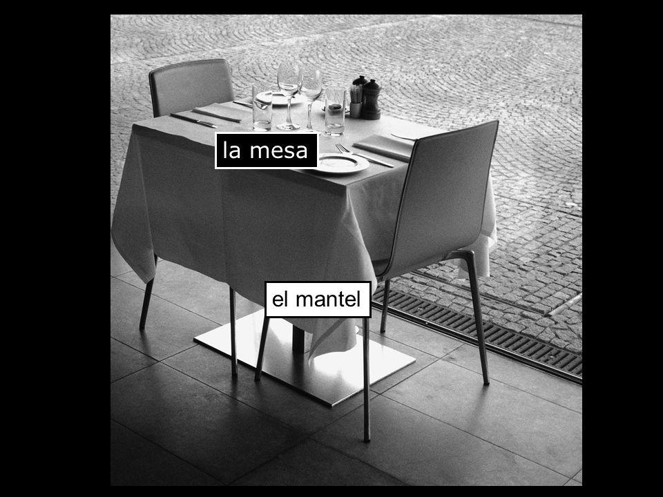la mesa el mantel