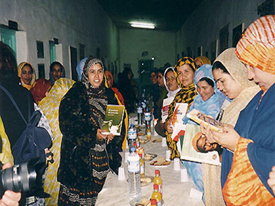 Las mujeres con una delegación Austríaca 7