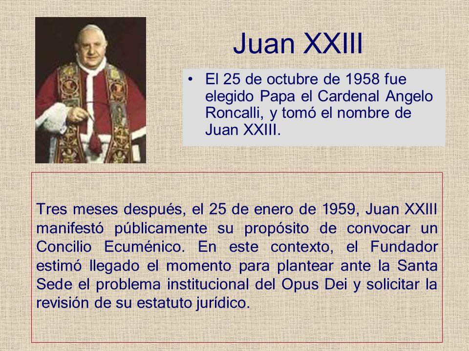 Juan XXIII El 25 de octubre de 1958 fue elegido Papa el Cardenal Angelo Roncalli, y tomó el nombre de Juan XXIII. Tres meses después, el 25 de enero d