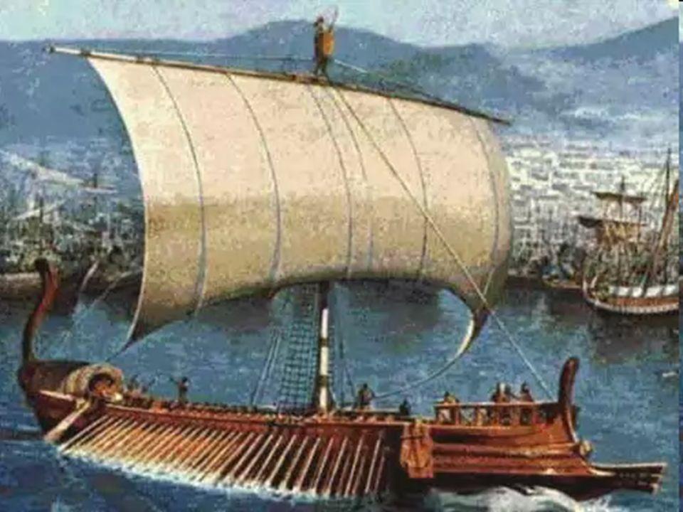 Temieron los marineros y cada cual gritaba a su dios.
