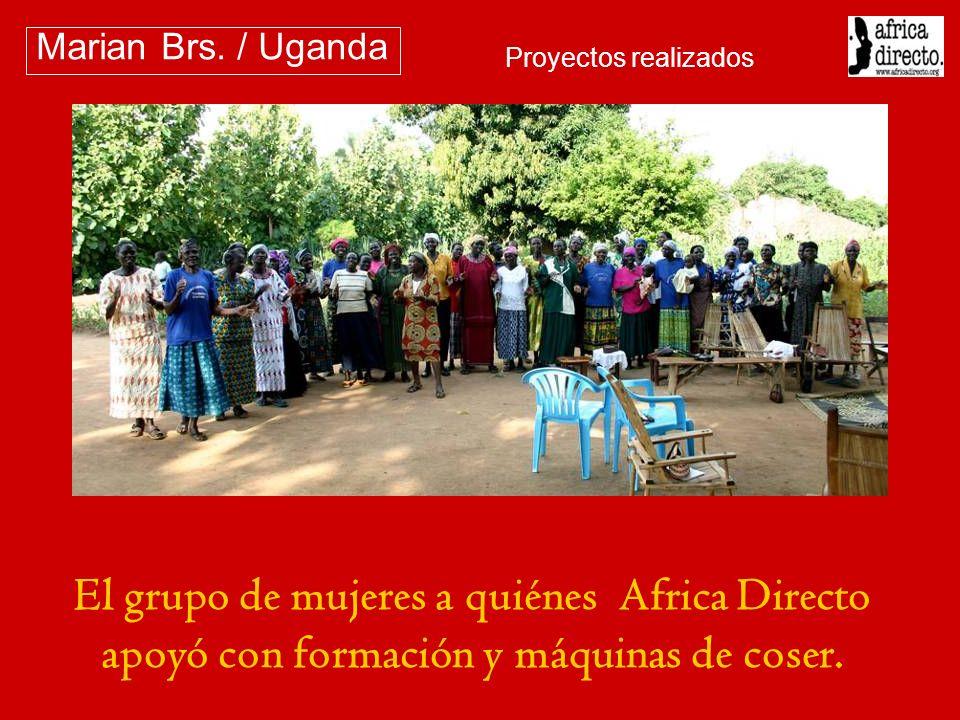 El grupo de mujeres a quiénes Africa Directo apoyó con formación y máquinas de coser. Marian Brs. / Uganda Proyectos realizados