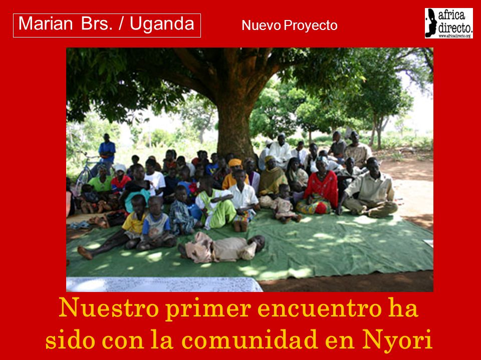 El grupo de mujeres a quiénes Africa Directo apoyó con formación y máquinas de coser.