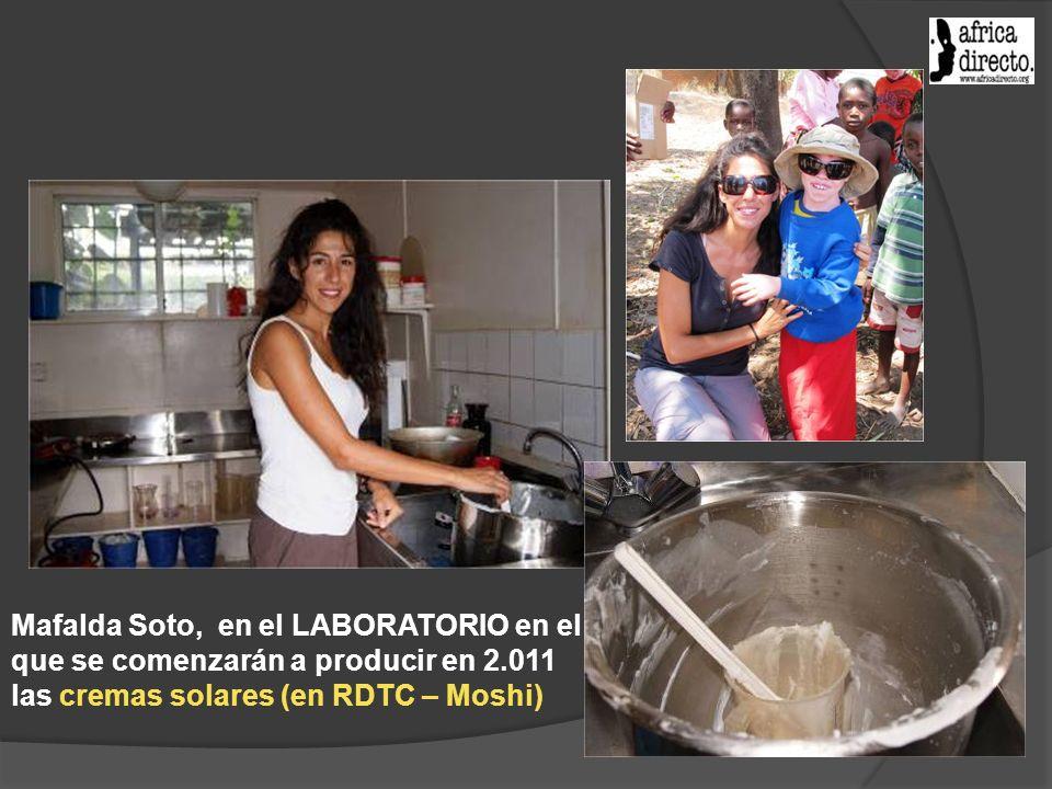 Mafalda Soto, en el LABORATORIO en el que se comenzarán a producir en 2.011 las cremas solares (en RDTC – Moshi)