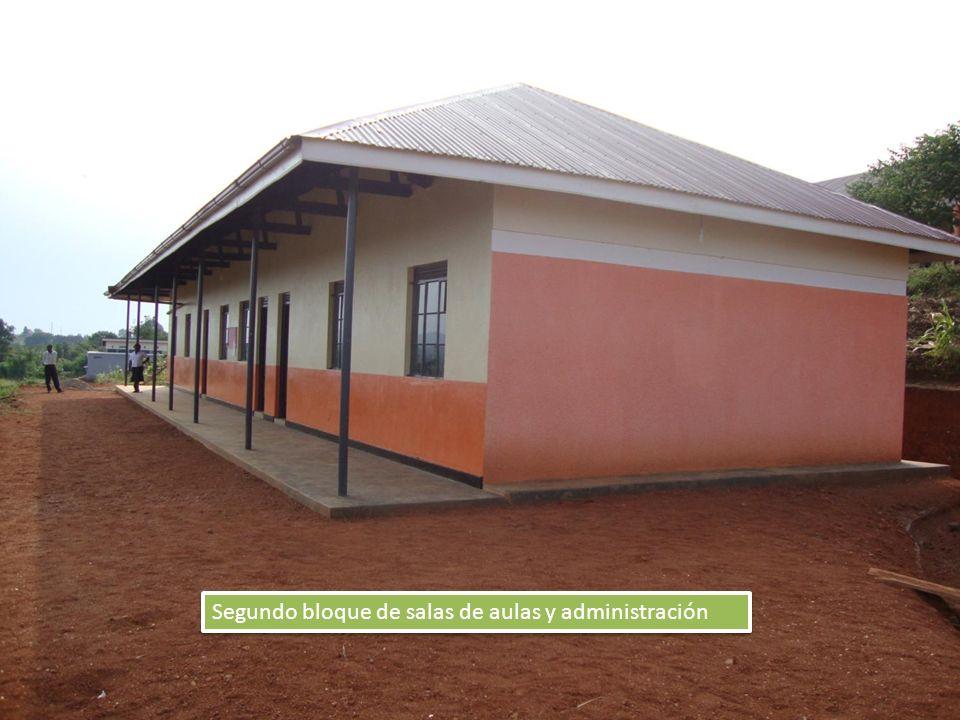 Segundo bloque de salas de aulas y administración