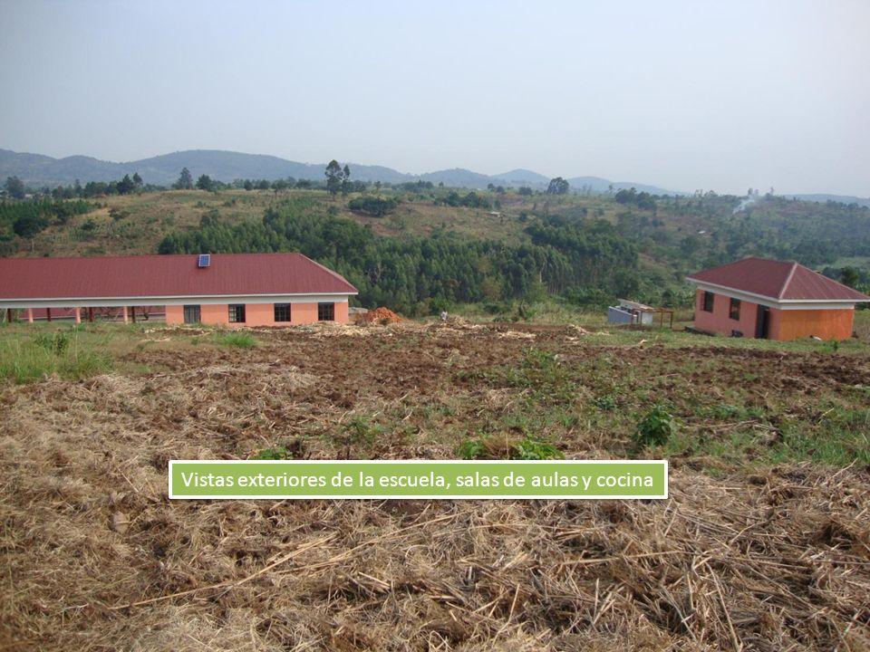 Vistas exteriores de la escuela, salas de aulas y cocina