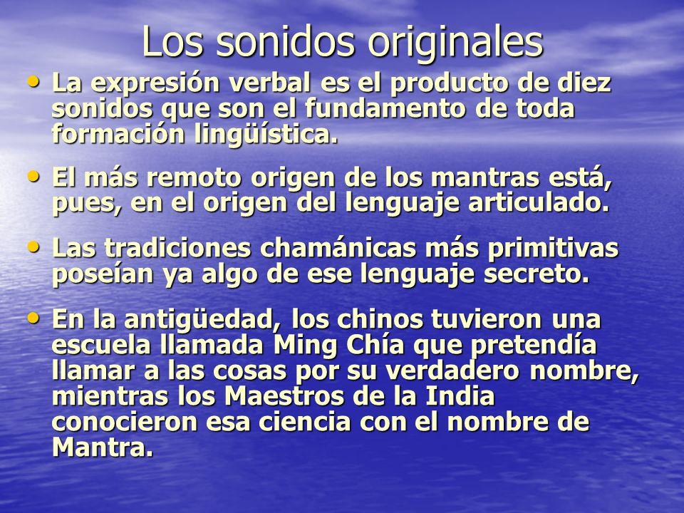 Mecánica de la pronunciación La pronunciación del Mantra debe partir de tres elementos: la postura (âsana) el manejo y armonización de la energía vital (prânâyama) y la atención de la energía (ekâgrata) La pronunciación del Mantra debe partir de tres elementos: la postura (âsana) el manejo y armonización de la energía vital (prânâyama) y la atención de la energía (ekâgrata) Así movilizamos (como vibración) nuestra energía a través de los dos primeros nadis base de la columna vertebral, pasando por órganos sexuales.
