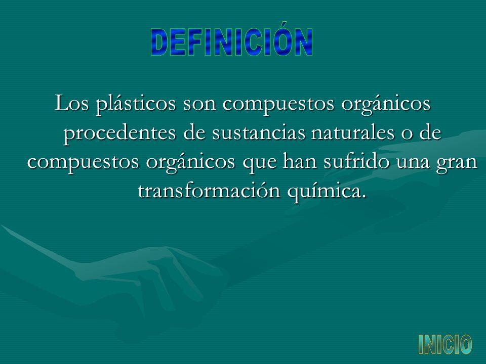 Los plásticos son compuestos orgánicos procedentes de sustancias naturales o de compuestos orgánicos que han sufrido una gran transformación química.