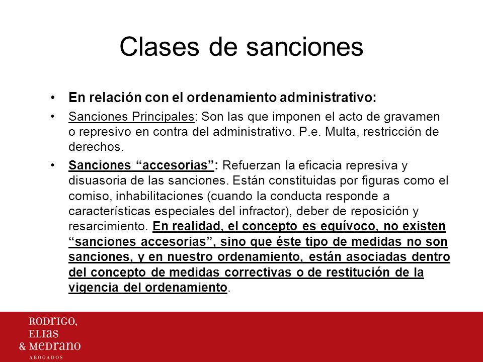 Criterios de distinción de la Sanción Administrativa con medidas afines La finalidad de la sanción es estrictamente represiva y manifiesta su carácter punitivo.