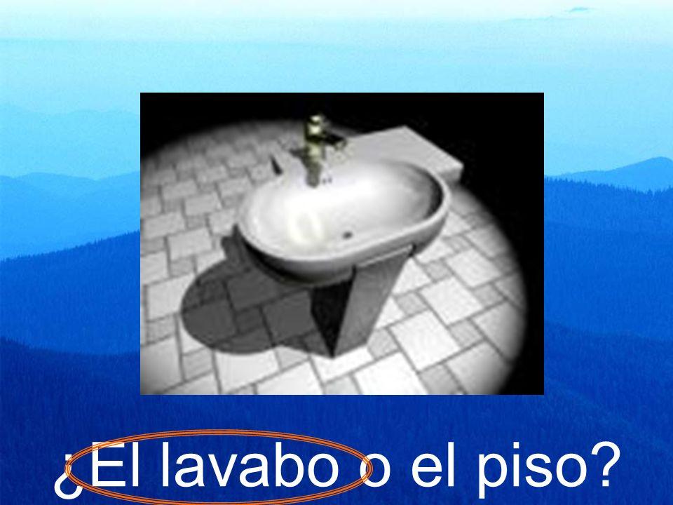 ¿El lavabo o el piso?