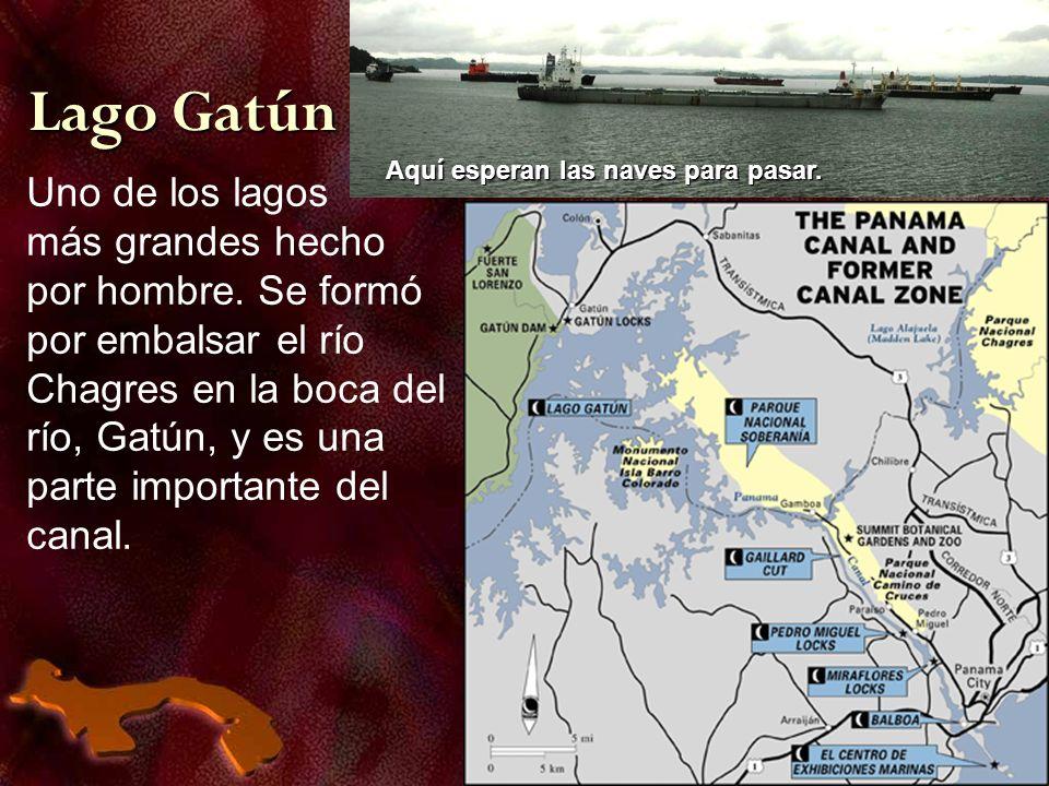 Uno de los lagos más grandes hecho por hombre. Se formó por embalsar el río Chagres en la boca del río, Gatún, y es una parte importante del canal. La