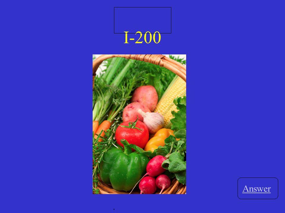 III-200 Answer. La clase _____________ (begins) a las ocho.