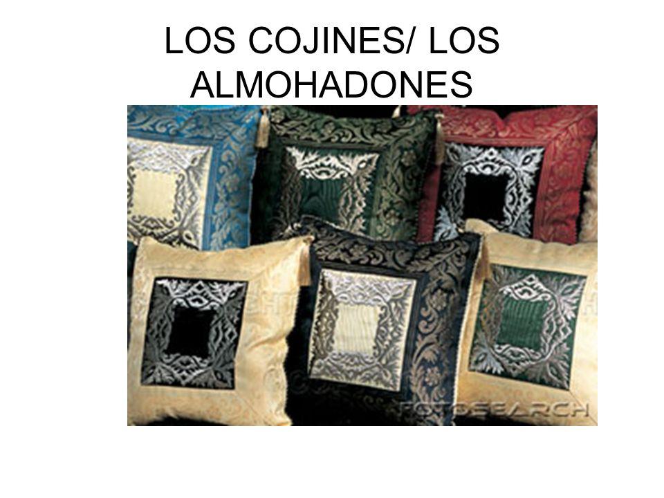 LOS COJINES/ LOS ALMOHADONES