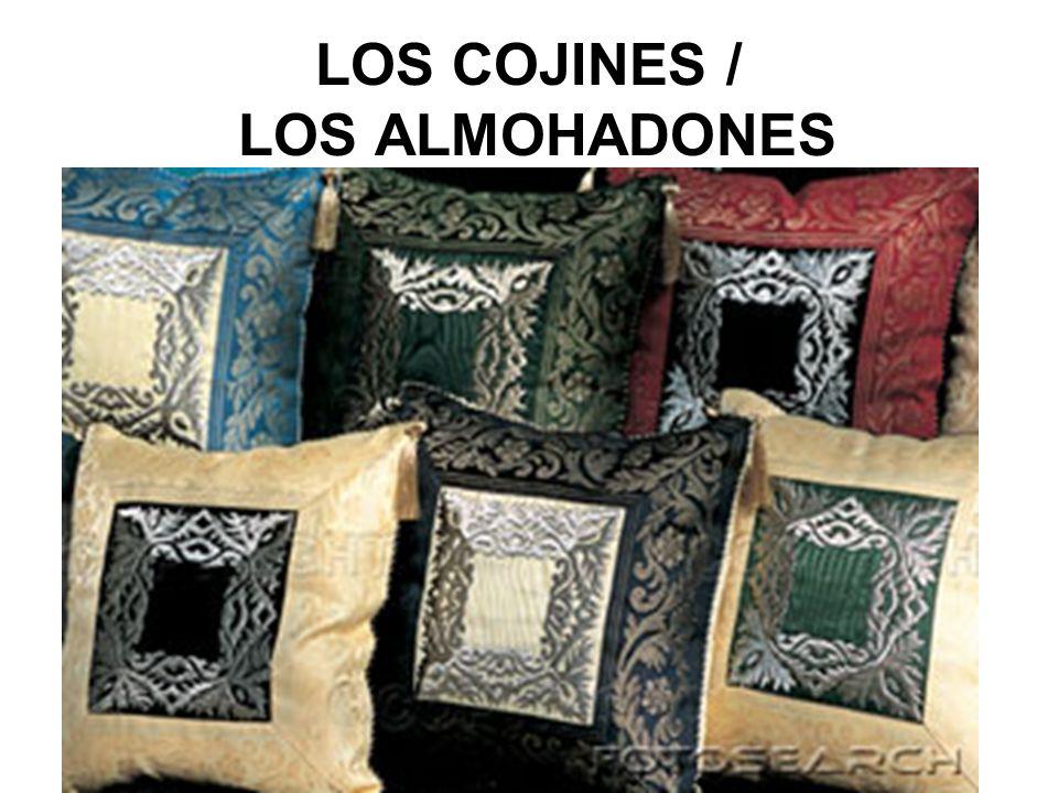 LOS COJINES / LOS ALMOHADONES