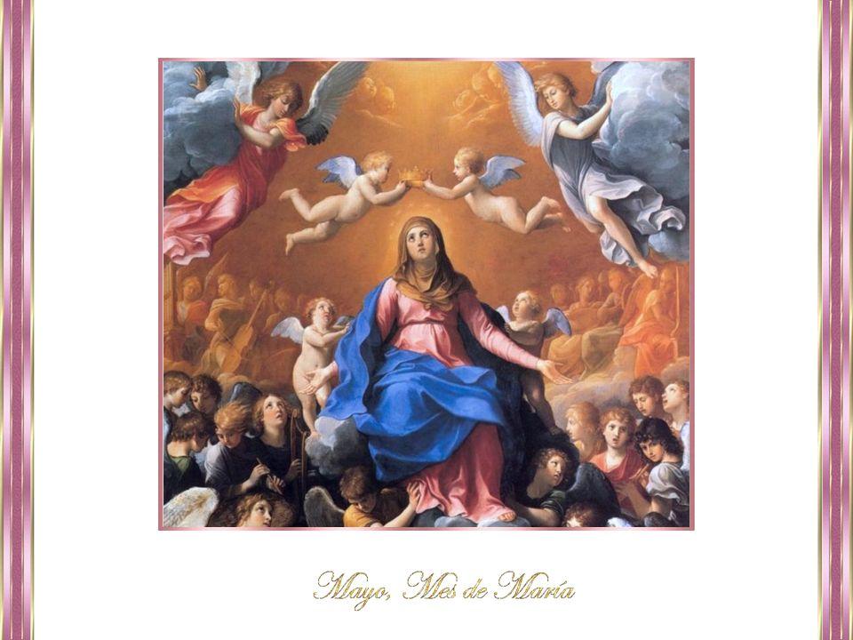 Ella vive y nos protege; está junto al Padre y al Hijo y al Espíritu Santo, en cuerpo y alma.