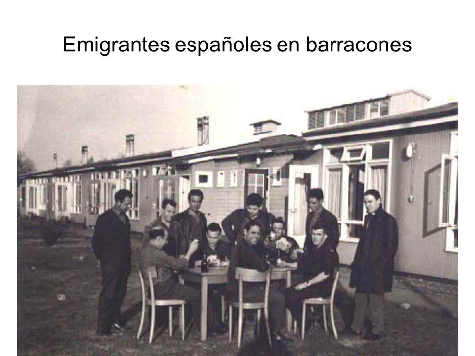15/02/2014Pilar Morollón IES San Isidro39 Emigrantes españoles en barracones