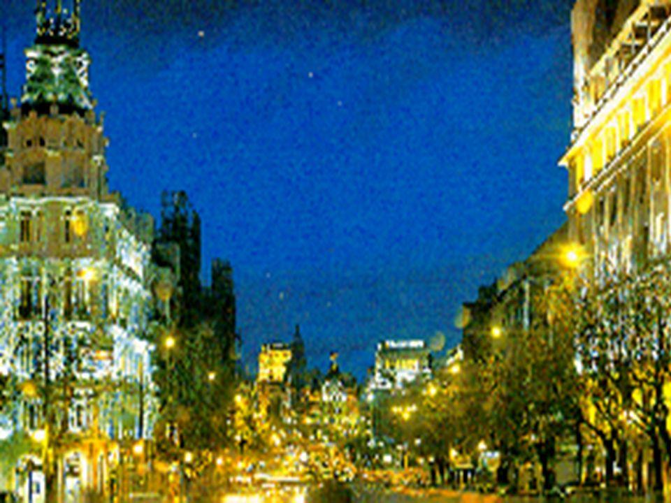 MADRID Y LA CONTAMINACIÓN LUMÍNICA La contaminación lumínica en Madrid tiene unas características particularmente notables que la diferencian incluso
