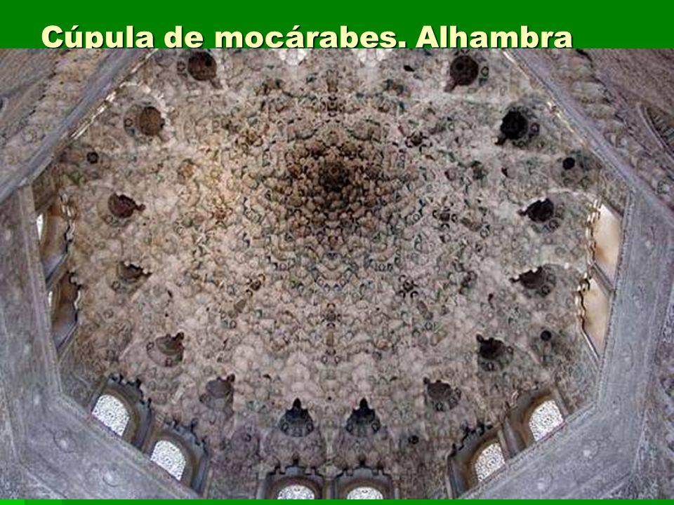 Arte islámico24 Cúpula de mocárabes. Alhambra