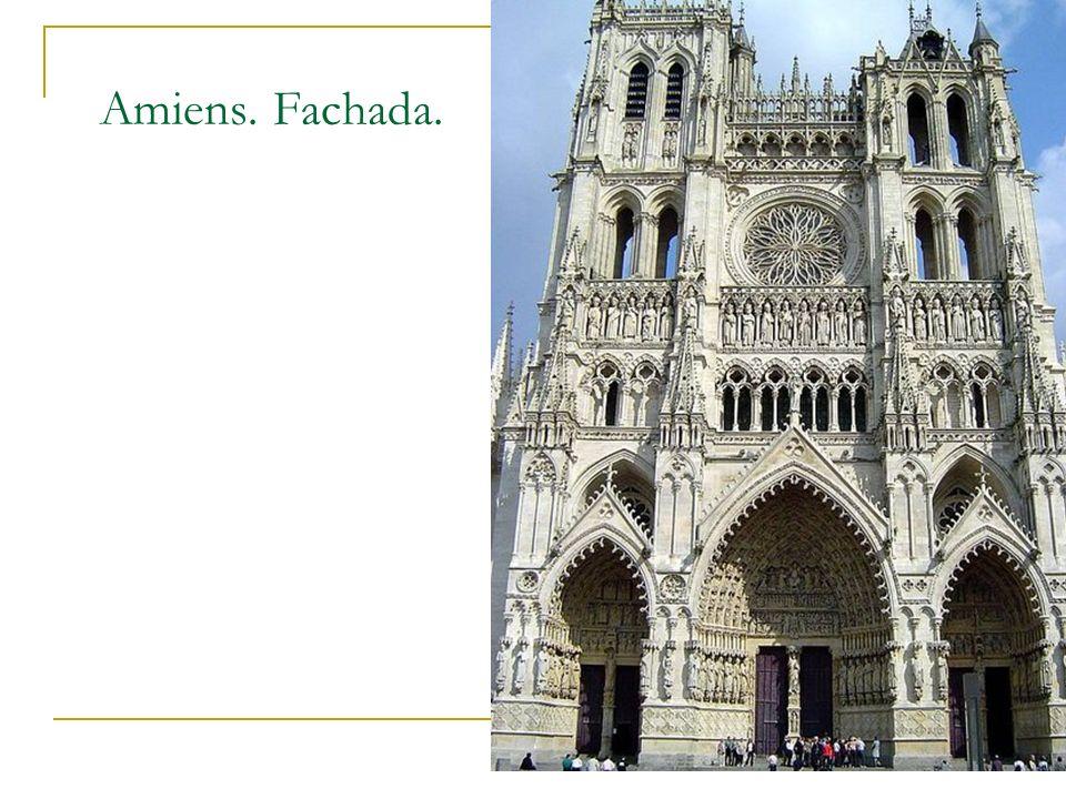 Gótico 12 Amiens. Fachada.