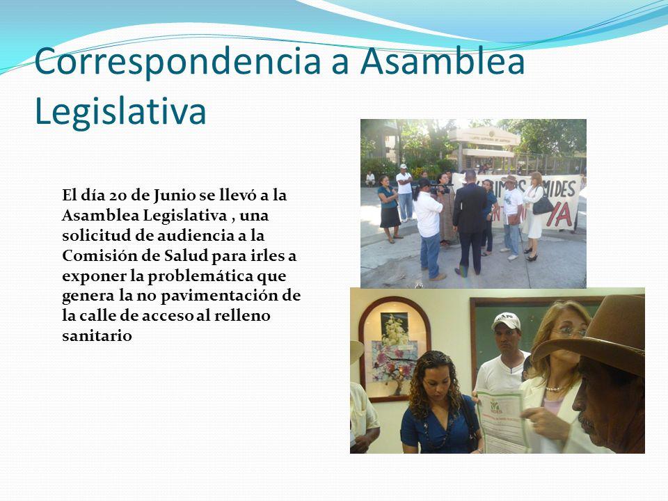 Reunión con el COAMSS El día Jueves 23 de Junio se tuvo una reunión con los líderes y lideresas de la Intercomunal de Nejapa para explicarles la problemática que se está viviendo en las comunidades por la no pavimentación de la calle de acceso al relleno sanitario.