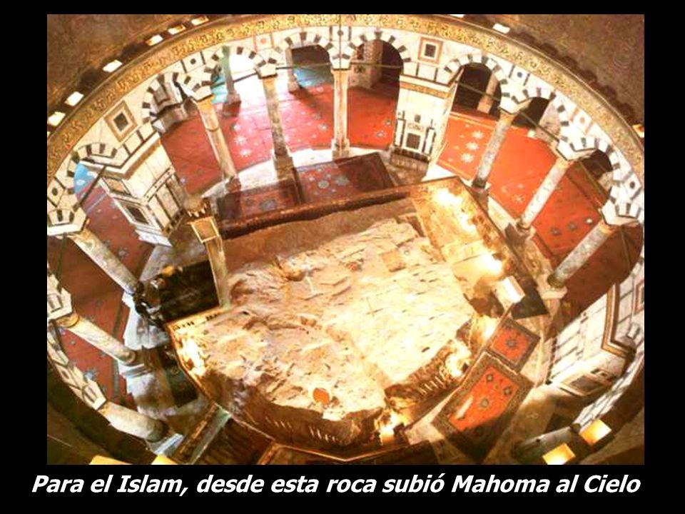 Y dentro de la mezquita una gran roca … Y dentro de la mezquita una gran roca …