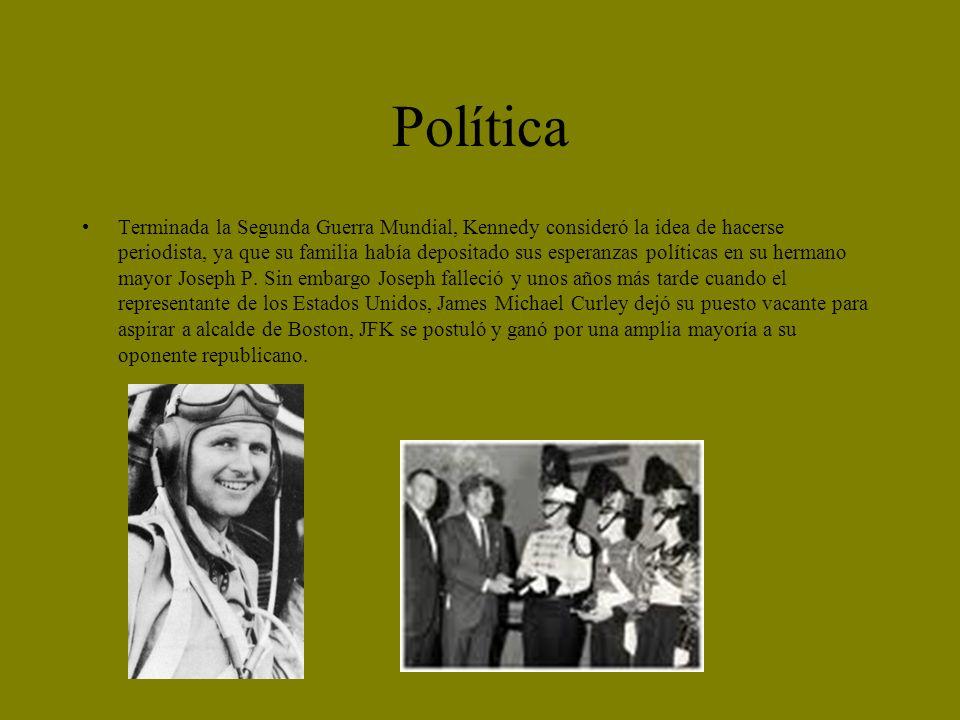 Política Terminada la Segunda Guerra Mundial, Kennedy consideró la idea de hacerse periodista, ya que su familia había depositado sus esperanzas polít