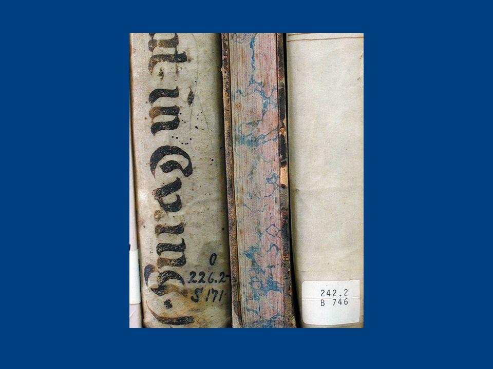 Materiales antiguos Son un conjunto de objetos que han perdido relación directa con lo social, por lo que para ser transmitidos requieren de mediación cultural.
