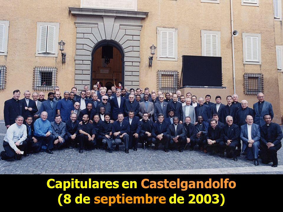 Capitulares en Castelgandolfo Capitulares en Castelgandolfo (8 de septiembre de 2003)