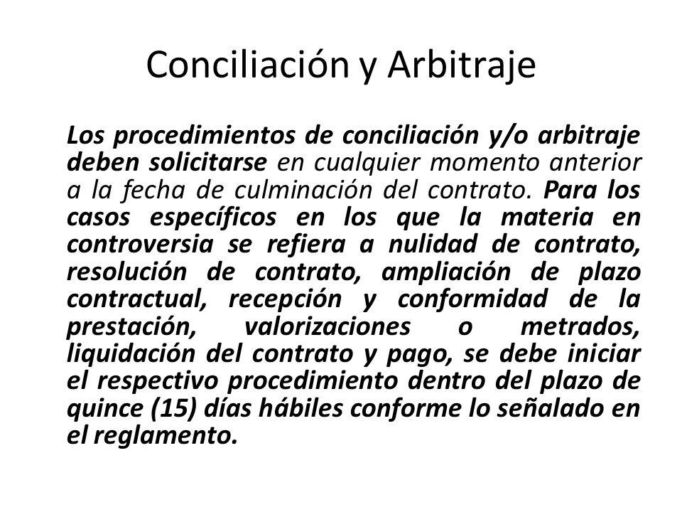 Conciliación y Arbitraje El arbitraje será de derecho y resuelto por árbitro único o tribunal arbitral mediante la aplicación de la Constitución Política del Perú, de la presente ley y su reglamento, así como de las normas de derecho público y las de derecho privado; manteniendo obligatoriamente este orden de preferencia en la aplicación del derecho.