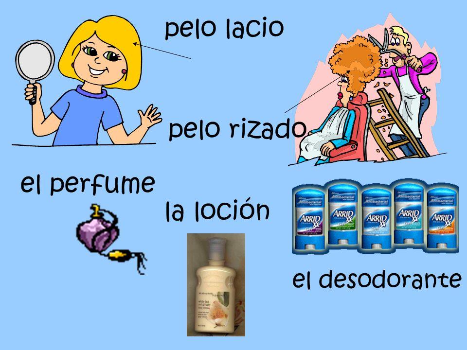 pelo lacio pelo rizado el perfume la loción el desodorante
