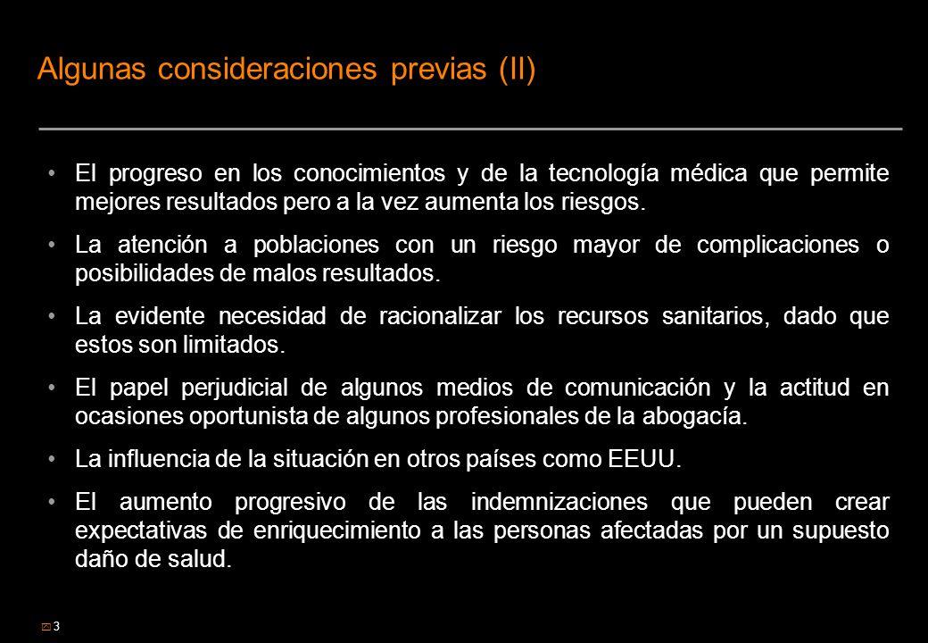 4 Algunas consideraciones previas (III) Además, no hay que olvidar que el sistema sanitario público, según mantiene la jurisprudencia, tiene OBLIGACION DE MEDIOS pero no OBLIGACION DE RESULTADOS Como conclusión, nos encontramos en un doble escenario para el sistema sanitario: Por una parte, se encuentra con ciudadanos/pacientes cada vez más informados y defensores de sus derechos y, Por otra, el sistema cuenta con más medios tecnológicos para el desempeño de su actividad, pero presionado por los pacientes y la creciente judicialización de la sanidad lo que sin duda favorece la medicina defensiva y también presionado por los gestores por la necesaria racionalización de costes.