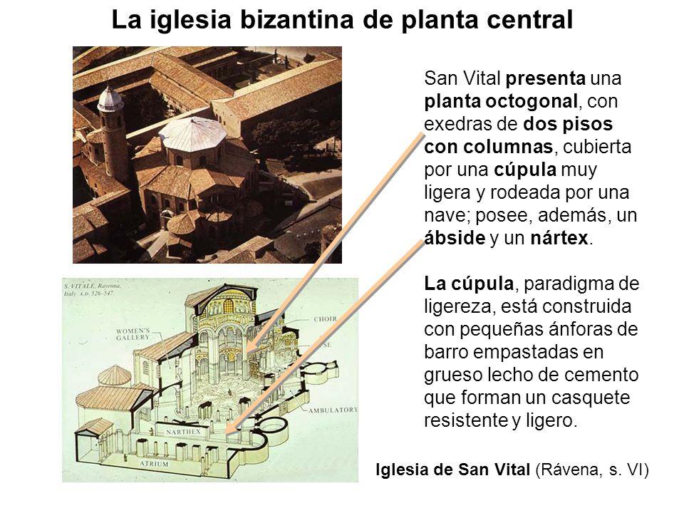 San Vital presenta una planta octogonal, con exedras de dos pisos con columnas, cubierta por una cúpula muy ligera y rodeada por una nave; posee, adem