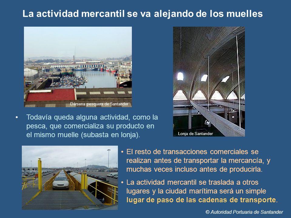 © Autoridad Portuaria de Santander Todavía queda alguna actividad, como la pesca, que comercializa su producto en el mismo muelle (subasta en lonja).